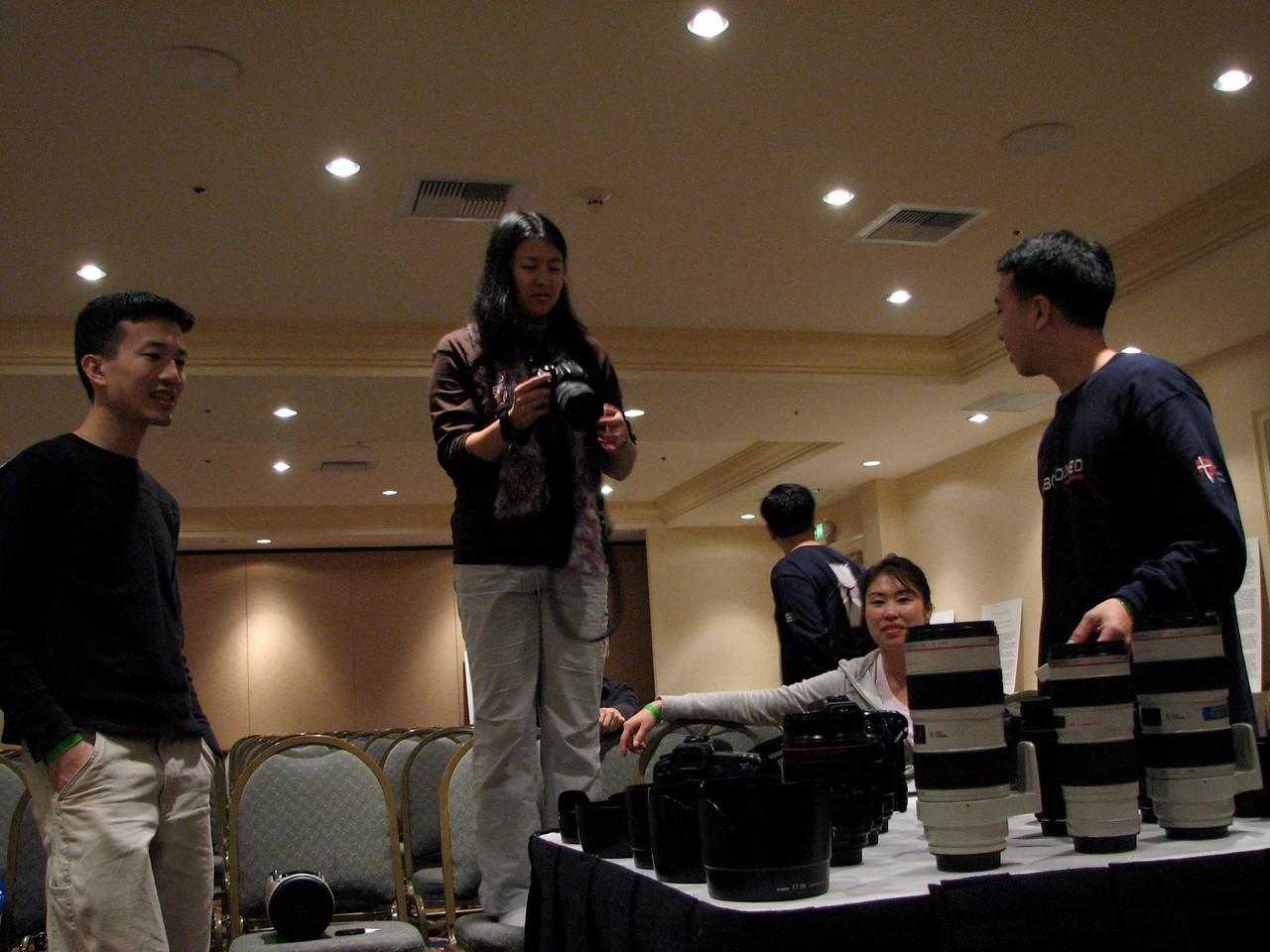 2007 02 19 Mon - Canon crazies