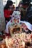 """Bolivia : Dia de las natitas (calaveras humanas objeto de veneracion) 8 . de noviembre en el cementerio general de La Paz. Cada ano, aumentan los adeptos de esas calaveras guardianas, que vigilan y ayudan los hogares de las capas de poblaciones mas demunidas del occidente boliviano. Esas calaveras, generalmente """"adoptadas"""" y encontradas, son, segun sus duenos, milagrosas y temibles. / Day of the Skulls is a festival celebrated in La Paz, Bolivia on November 9th. (human skulls object of veneration) Religion and Mythology. Bolivia's bizarre skull festival in La Paz falls on 9th November, and closes the week-long All Saints celebrations. / Bolivien: Das Schädelfest Fiesta de las natitas ist ein religöser Brauch. Gläubigen bringen die Totenschädel ihrer Verwandten und Freunde zum Zentralfriedhof in La Paz. Dort werden sie an der Fassade der Friedhofskirche aufgebahrt. Durch die Segnung der Totenköpfe werden die Verstorbenen das folgende Jahr die Gläubigen beschützen und ihnen Glück bringen. © Alejandro Azcuy/LATINPHOTO.org"""