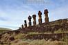 Chile : Moais en isla de pascua . / Moais at eastern island. / Die Osterinsel (rapanui Rapa Nui) ist eine isoliert gelegene Insel im Südostpazifik. Moais Steinstatuen. Moais am Ahu Tongariki. © Nicolas Nadjar/LATINPHOTO.org