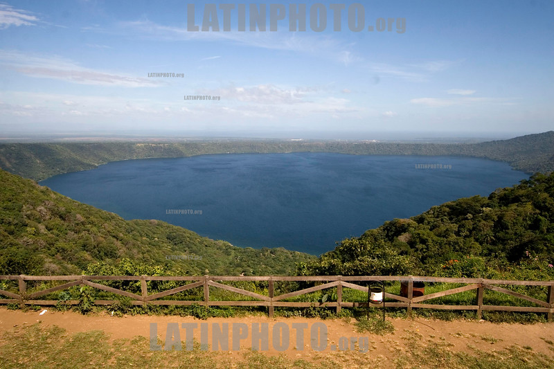 Nicaragua : Laguna de Catarina . / Catarina Lagoon. / Nikaragua: Lagune Catarina. Landschaft. © Inti Ocon/LATINPHOTO.org