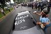 Venezuela : Para manana 27 de Mayo del 2007 , esta previsto a las 12 de la media noche retirar la transmision del canal privado Radio Caracas Television (RCTV) el Gobierno de Chavez dice que simplemente no sera renovada la concesion que por 53 anos ha mantenido en el aire al canal de Tv mas popular de Venezuela . Por su parte los directivos de la televisora privada dicen ser victimas de  una retaliacion politica y  dejando enclaro que  en venezuela se culmina la libertad de expresion ya que  otros canales  a excepcion de Globovision, estan sumisos ante la imposicion del gobierno que califican de  no democratico. Este cierre ha generado diversas concentraciones en varias ciudades del pais en apoyo al canal  Privado RCTV. Las fotos dson d ela ciudad de Valencia, estado carabobo. / protest in Valencia, May 26, 2007 against Venezuela's President Chavez's decision to not renew the broadcasting license of television station Radio Caracas Television, RCTV, which ends on May 28, 2007. / In Valencia protestieren Gegner von Präsident Chavez gegen die Schliessung eines privaten Fernsehsenders. Präsident Chavez will die auslaufende Lizenz des Senders RCTV nicht verlängern. Pressefreiheit. © Juan Carlos Hernandez/LATINPHOTO.org