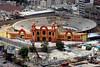 Venezuela : Nuevo circo de Caracas , esta siendo remodelado . Lugar que sirvio para la recreaciin de los capitalinos y amantes de las corridas de toros, esta siendo recuperado y embellecido. / Caracas City. / Venezuela: Hauptstadt Caracas. © Juan Carlos Hernandez/LATINPHOTO.org