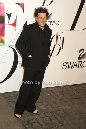 Issac Mizrahi photo by Rob Rich © 2008 robwayne1@aol.com 516-676-3939
