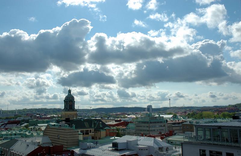 2008-05-20 141. utsikt över Göteborgs takåsar mot OSO / view over roof ridges in Göteborg towards ESE [SWE]