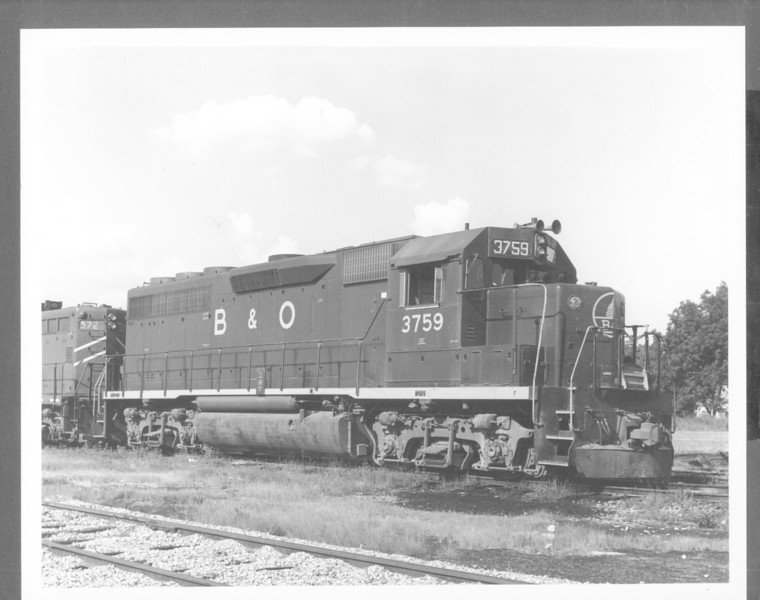 "B&O #3759 GP-40 8x10"" B&W diesel photo<br /> 321499681_eVxWR"