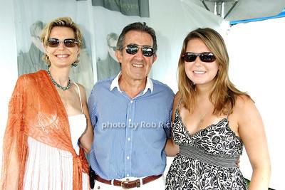 Joan Gruen, John Gruen, Jera Gruen photo by Rob Rich © 2008 516-676-3939 robwayne1@aol.com