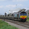 On hire to Freightliner Heavy Haul to cover to cover for a loco shortage DRS 66425 sweeps past Kellingley Colliery with 6R33 0902 Immingham B3 Sdg - Drax P.S. loaded pet coke working. This small train only carries around 600tons of coke and therefore a small set of wagons was used instead of the normal 19 or 20 wagons that would be in a set like this.