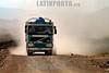 Bolivia: camion en la ruta intersalar . El salar de Uyuni , es el lago de sal mas grande en el mundo. El Salar de Uyuni esta a 3650m sobre el nivel del mar. paisaje. montanas. / Bolivia: The Salarroad. / Bolivien: Landschaft auf der Strecke Intersalar. Lastwagen. Transport. Verkehr. © Claus Possberg/LATINPHOTO.org