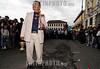 """Ecuador: Miles de personas siguieron hoy en Quito la tradicional procesion """"Jesus del Gran Poder"""" , en la que cientos de fieles vistieron de cucuruchos y cargaron cruces de todos los tamanos . Los cucuruchos protagonizaron la procesion, acompanada de musicos de la Policia y de bandas de pueblo, que entonaban melodias religiosas en el centro historico de la capital ecuatoriana. / Holy week in Quito. / Ekuador: Karfreitags - Prozession während der Osterwoche in Quito. © Patricio Realpe/LATINPHOTO.org"""