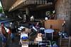 Argentina - Buenos Aires : Cartoneros viviendo de bajo de puente . / Homeless living under a bridge. / Argentinien: Kartonsammler leben in Buenos Aires unter einer Brücke.25/02/2008 © Gaston renis/LATINPHOTO.org