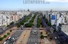 Argentina: Avenida 9 de Julio . / Nueve de Julio Avenue. / Argentinien: Die Avenida 9 de Julio ist eine der Hauptverkehrsadern von Buenos Aires. Sie gilt als Prachtboulevard und mit 140 Metern Breite und 20 Fahrstreifen als die breiteste Strasse der Welt. © Laura Gallo/LATINPHOTO.org