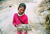 Bolivia: Potosi , nia vendiendo piedras en las minas de potosi el 18 de enero de 2008 . Explotacion infantil. / Bolivia: girl selling stones in the mines of Potosi. Child labor. / Ein indigenes Mädchen verkauft Steine in Potosi. Kinderarbeit. © Marcos Crapa/LATINPHOTO.org