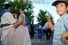 Uruguay: Baile folclorico Pericon . Tradicion y cultura uruguaya , el 20 de diciembre de 2008 en Canelones. /Folk dance. Ururguayan tradition and culture, december 20, 2008 in Montevideo. / Uruguay: Ein KInd fotografiert mit einer kompakten Digitalkamera eine traditionelle Tanzdarbietung in Montevdeo. © Pablo Vignali/LATINPHOTO.org