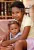 Nicaragua - Puerto Cabezas - Bilwi : Ninas jugando en el piso de su casa . / black children in Puerto Cabezas. / Nikaragua: Kinder in Puerto Cabezas. Schwarze Mädchen. © Inti Ocon/LATINPHOTO.org