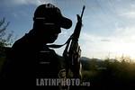 Mexico : Elementos de ejercito mexicano y de la Agencia de Seguridad Estatal (ASE), buscan en las inmediaciones del paraje conocido como Cerro Colorado a al menos cinco sujetos que lograron  ...