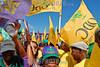 Republica Dominicana : Miles de personas se dieron citas con banderas de colores representativas del partido PLD y de partidos aliados para participar en el mitin de cierre de campa . / Dominican Republic: Elections. / Dominikanische Republik: Wahlen in Santo Domingo. © Juan Fach/LATINPHOTO.org