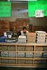 Mexico : Una mujer vende huevo en un expendio del mercado 16 de septiembre en Toluca . / egg, foods, market, economy, feeding. / Mexiko: Marktstand bietet in Toluca Eier an. Essen, Markt, Wirtschaft. © Mario Vazquez de la Torre/LATINPHOTO.org