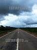 Argentina : inundaciones . Tartagal (Prov. de Salta). Las copiosas lluvias que se vienen produciendo desde hace un mes produjeron el desborde del rio Pilcomayo. / Argentina: floods. Tartagal (Prov. Salta). The heavy rains that have taken place since a month ago resulted in the overflow of the Pilcomayo River. / Argentinien: Gewitterwolken in Tartagal. Strasse. © Ruben Romano/LATINPHOTO.org