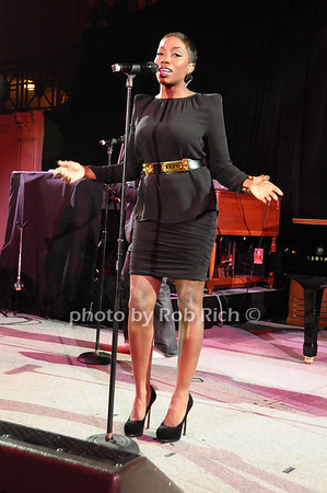 Estelle<br /> photo by Rob Rich © 2009 robwayne1@aol.com 516-676-3939
