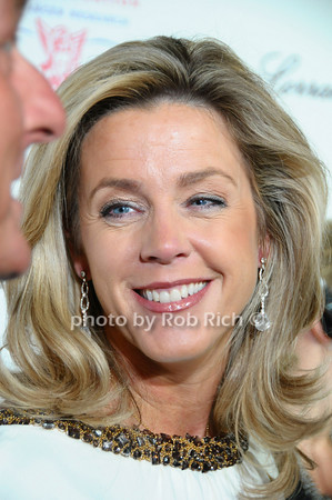 Deborah Norville<br /> photo by Rob Rich © 2009 robwayne1@aol.com 516-676-3939