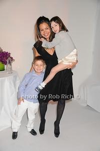 Luke Heller, Jill Heller, Julia Heller photo by Rob Rich © 2009 robwayne1@aol.com 516-676-3939