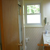 Bathroom (upper level)
