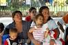 El Salvador : El sistema de salud de El Salvador se encuentra en alerta ante el aumento de casos de la gripe porcina o H1N1 . Los ninos son los mas vulnerables ante los casos reportados que ya suman mas de 160. / Gesundheitssystem in El Salvador. Präventive Untersuchung gegen Schweinepest und Vogelgrippe H1N1. Medizinische Betreuung . © Antonio Herrera Palacios/LATINPHOTO.org