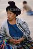 Antigua, Guatemala : Indigenas en afueras de la Catedral Antigua Guatemala . / Indigenous woman. / Indigene Frau vor der Kathedrale in Guatemala-City. © Inti Ocon/LATINPHOTO.org