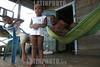 Nicaragua - Puerto Cabezas : Miskitos en el Puerto de Bilwi, Puerto Cabezas . / Puerto Cabezas. / Nikaragua: Familie in Puerto Cabezas. Hängematte. © Inti Ocon/LATINPHOTO.org
