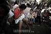 Brasil - Sao Paulo : Familias de sem-teto pretendem continuar manifestacoes . Frente de Luta por Moradia (FLM). / Mas de 600 familias por la organizacion en la lucha por la vivienda (FLM) fueron expulsados del edificio en la Avenida Nove de Julio del INSS. Durante 20 anos el edificio fue ocupado por cuatro familias sin hogar. / Brazill - Sao Paulo: About 600 families from the Front for the Struggle for Housing (FLM) were removed from the INSS building located on Avenida Nove de Julio, in central Sao Paulo. Abandoned for over 20 years, the building was occupied four times by homeless families. In the first occupation in 1997, the occupants remained in the building until 2003. The families were living with the promise that the building would be devoted to housing. / Brasilien - Sao Paulo: Über 600 Familien von der Organisation für den Kampf für Wohnungswesen (FLM) wurden aus dem Gebäude an der Avenida INSS Nove de Julio vertrieben. Während 20 Jahren wurde das Gebäude viermal von obdachlosen Familien besetzt. © Anderson Barbosa/LATINPHOTO.org
