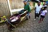 Nicaragua - Puerto Cabezas : Miskitos en el Puerto de Bilwi, Puerto Cabezas se dedican a la Caza y Pesca de las Tortugas verdes, las cuales se encuentran en estado de extincion, tienden redes en las corrientes marinas de Sandy Bay y Cayos Miskitos en el Atlantico de Nicaragua . Estas son comercializadas por el costo de U$ 25 a U$ 50. Lista Roja de la UICN. matanza del cerdo. / Turtle meat sold in puerto cabezas. Green sea turtle. C. mydas is listed as endangered by the IUCN and CITES and is protected from exploitation in most countries. It is illegal to collect, harm or kill them. / Nikaragua: Ein Mann schlachtet in Puerto de Bilwi eine grüne Meeresschildkröte zu Schildkrötenfleisch. Die Suppenschildkröte (Chelonia mydas) ist ein Vertreter der Meeresschildkröten. Seit 1988 steht sie durch das Washingtoner Artenschutz-Übereinkommen unter internationalem Schutz. Rote Liste gefährdeter Arten. Artenschutz. © Inti Ocon/LATINPHOTO.org