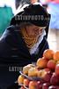 Ecuador : Sede del mercado artesanal indigena mas grande de Sudamerica . municipio de mayoria indigena mas rico de la Republica de Ecuador. turismo. / Market in Otavalo, showing the colourful fabrics. Town in the Imbabura Province of Ecuador. weaving textiles. / Ekuador: Indigener am Markt in Otavalo. Indigenas. Ureinwohner. Textiles Angebot. Ureinwohner. Tracht. Poncho. © German Falke/LATINPHOTO.org