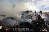 Mexico - Toluca (31 .12.10) Bomberos de los municipios de Toluca , Metepec, Lerma y Tiaguistenco, apoyados por pepenadores, trabajan por mas de dos horas para controlar un incendio que consumio por completo una planta recicladora de carton en el Cerrillo Vista Hermosa, muy cerca del aeropuerto de Toluca. Bombeiros. incendio. / Firefighters extinguish a fire in a cardboard recycling plant in Toluca. / Mexiko: Feuerwehrmänner löschen einen Brand in einer Karton-Recycling-Anlage in Toluca. Brandbekämpfung. © Mario Vazquez de la Torre/LATINPHOTO.org