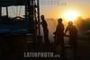 Argentina : pozo nuevo . perforacion en busqueda de agua para riego , agua, perforacion / Argentinien : Arbeiter bewässern in Cordoba Felder © Augusto Famulari/LATINPHOTO.org