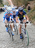 Veuchelen is pushing the pace on the Kruisberg - the escape has momentarily split...