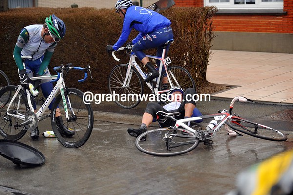 Storms have blown a rubbish bin into the peloton - Stijn Devolder is one of its victims...