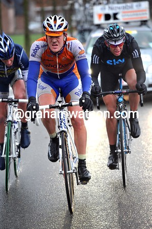 Flens, Tracksel and Stannard look formidable into such strong winds - they're losing none of their lead...
