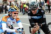 Former teamates Zabriskie and Wiggins have found something very funny with which to amuse themselves before the start...