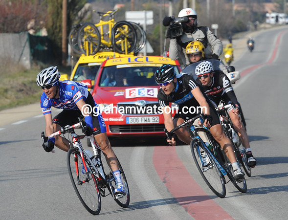 Carlos Barredo leads the escape nto the last 25-kilometres - Taamarae has dropped back now...