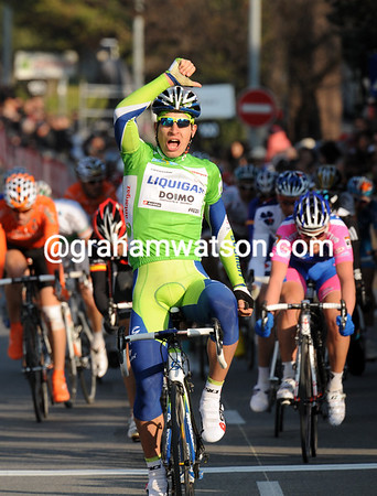 Peter Sagan wins stage five after an amazing attack two-kilometres from the end - what a rising star!