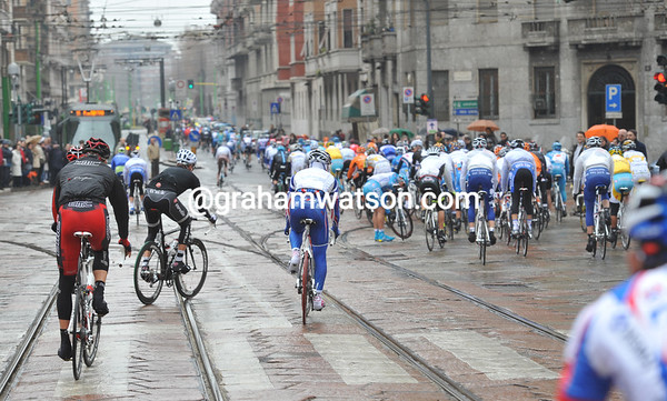 Rain, cobbles and tram lines make for a delicate start to the day....