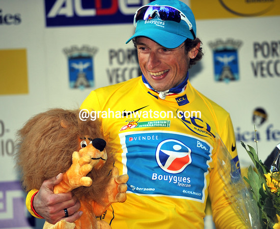 Pierrick Fedrigo has won a Lyonnais lion today, and may yet get to keep his yellow jersey after Sunday's double stage...