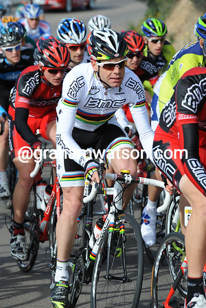 Cadel Evans is surrounded by his BMC mates - he has his eyes on the TT this afternoon...