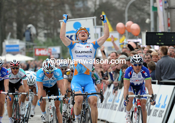 Tyler Farrar is that man ahead - the American has won the Scheldeprijs ahead of Robbie McEwen and Robert Forster..!