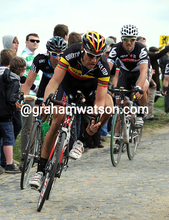 Tom Boonen is miles away from this move, as is Flecha and Hushovd...
