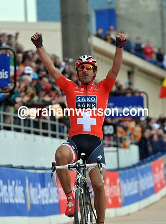 Fabian Cancellara wins the 2010 Paris-Roubaix - by exactly two minutes...