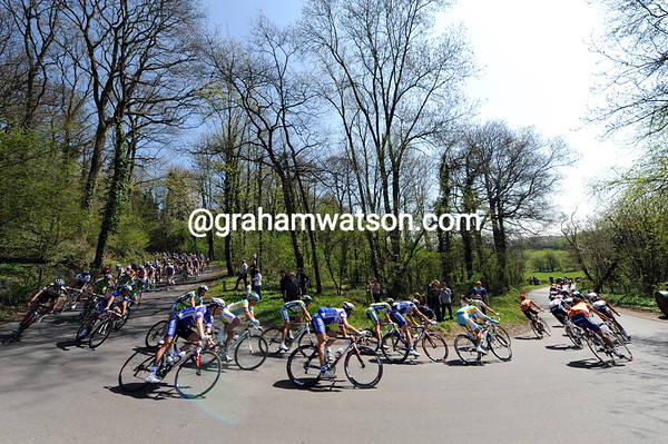 Summertime conditions are making things easy for the Amstel peloton...
