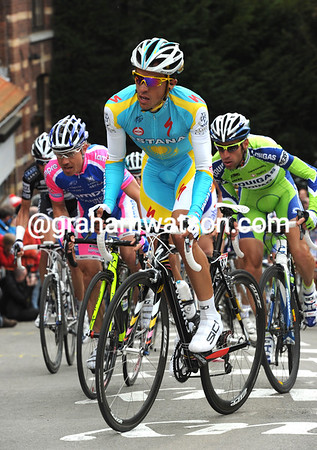 Contador is at the head of the peloton in pursuit - is this the day's winner..?
