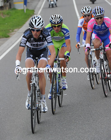 Frank Schleck has pulled a quartet away over the summit - they are gaining time very quickly..!