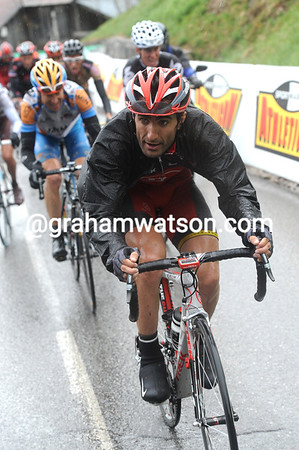 Tiago Machado is leading the chase of Menchov near the summit...